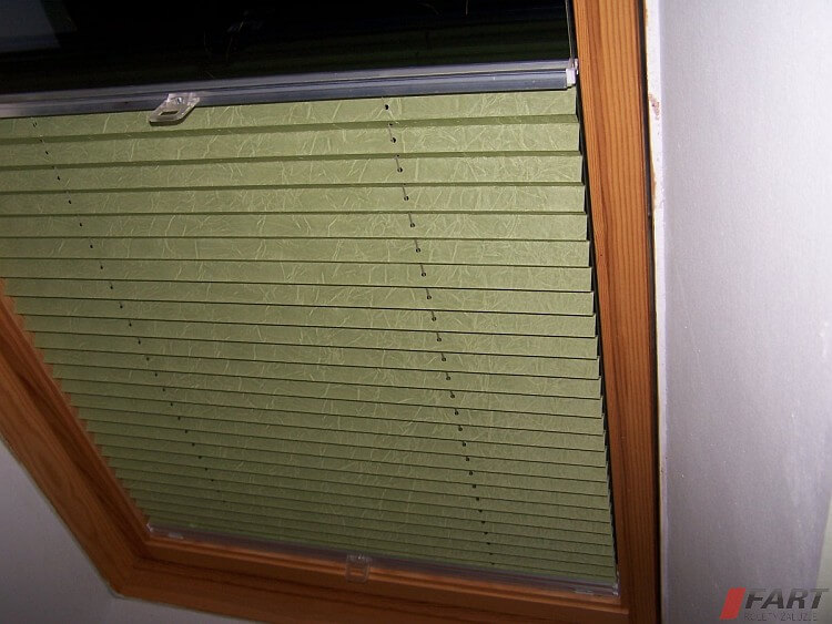 roleta dachowa plisowana zielona